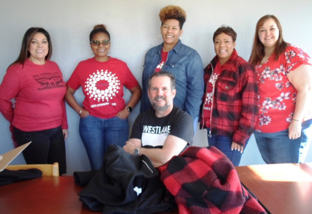 Levi Strauss Volunteers Line-Up for Christmas 2019 photo